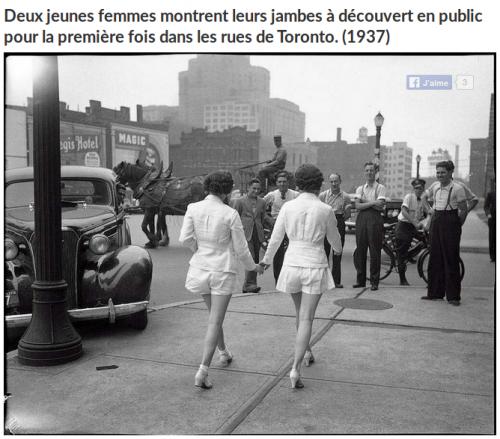 2_jeunes femmes montrent leurs jambes.png